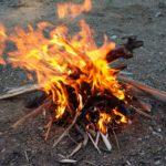 Suivie pour les enfants: apprendre a faire du feu, des