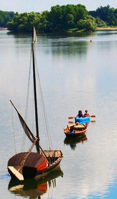 Séjour en canoes, bivouac sur une ile de Loire de 1 à 3 nuits entre Savonnières et Gennes